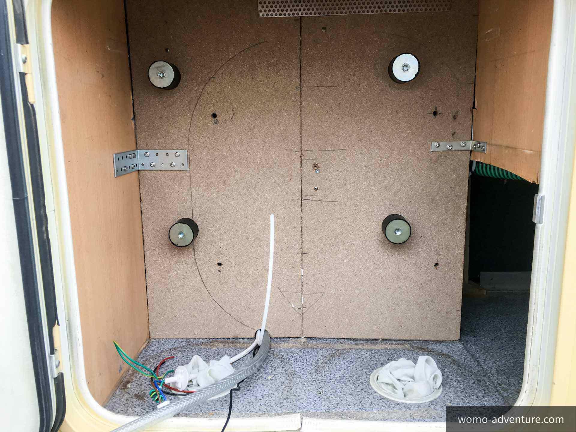 projekt waschmaschine ins gasfach einbauen womo adventure. Black Bedroom Furniture Sets. Home Design Ideas